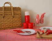 Vintage Picnic Basket large Set