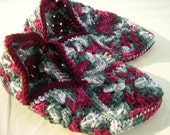 Christmas in July Christmas Slippers - Size Medium