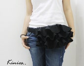 Kinies Ruffled Waist Purse - Leatherette in BLACK