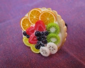 ring  with miniature food in polymer clay - adorable fruit tart to wear