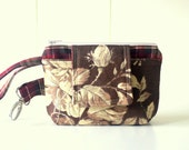 Wristlet with Front Snap and Five Pockets in Plaid and Roses
