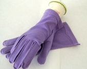 Vintage Purple Wrist Length Gloves