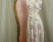Glorious 1940s night gown size small