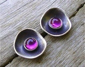 Tiny  cups with 3mm cabochon