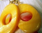 Yellowheart - Yellow Shell Earrings with Hearts