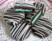Yummy Mint Chocolate Covered Oreo Cookies Green 1 Dozen