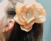 Romantic Camellia Clip with Vintage Elegance