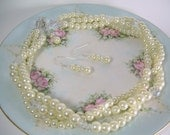 Contessa - Pearl and Crystal Necklace Set