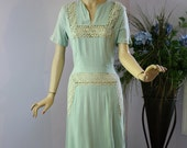 Vintage 40s Dress Ann Sutton   Pale Green Linen w Sheer Lace Afternoon Wedding Tea Party