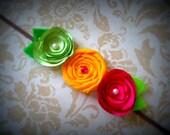 Три Itsy Цветы Bitsy на Тощий эластичный головной ремень.