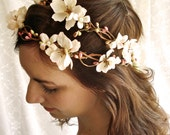 shepherdess - a floral head wreath in ivory/pink