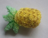 Summer Treat Loofah Chew ( pineapple-shaped ) for Small Animals