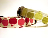 Dog Collar: Country Apples Green or Red