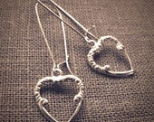 Lightweight Victorian Heart  earrings - silver-plated