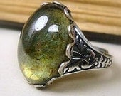Victorian Ring - Forest Moss Green Luster Glass - Adjustable - Victorian Jewelry