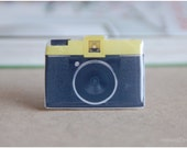 Diana Camera Brooch - ArtnestDesign