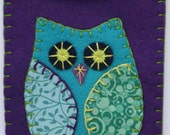 Owl felt gadget / phone case. Free shipping