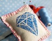 Diamond Jubilee hand-printed linen souvenir pincushion - Queen Elizabeth, commemorative, 60th - Corydora