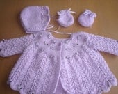 Baby girls lilac ROSEBUD hand knit matinee jacket , bonnet and mittens. BIRTH to 3 months. Christening