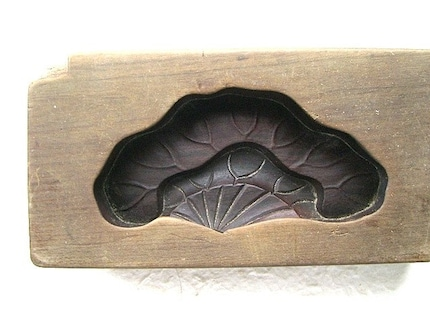 Vintage Japanese Sweets Mold - Lotus Leaf