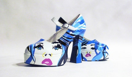 Hand painted Pumps