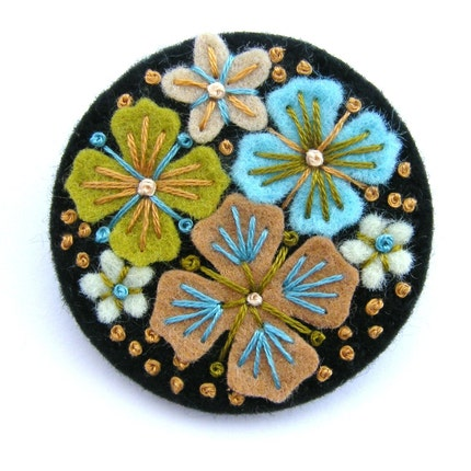 WEDDING FAVORS, 10 'SUMMER RAIN' FELT BROOCH PINS WITH FREEFORM EMBROIDERY, FREE SHIPPING