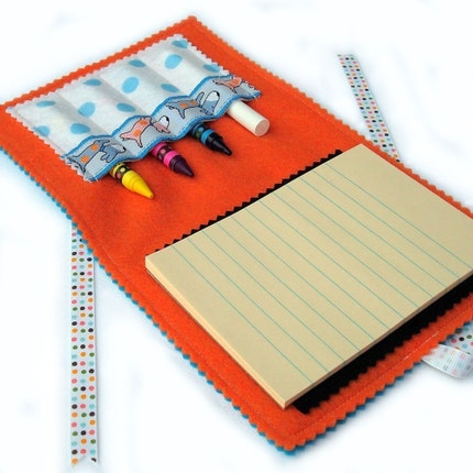 DINE.n.DOODLE - Fold.n.Go Art Folio (tm) - See Spot Run ... mini chalk mat / crayon play (SALE Reg 11.00)