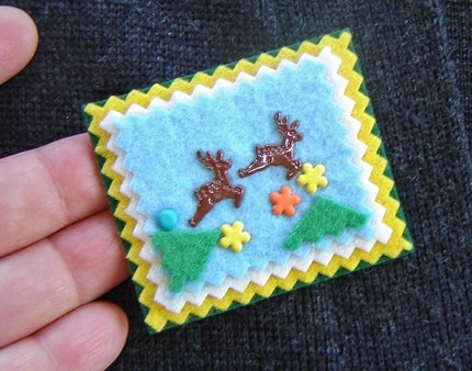 Felt Brooch - Deer and Flowers - Bright Colors