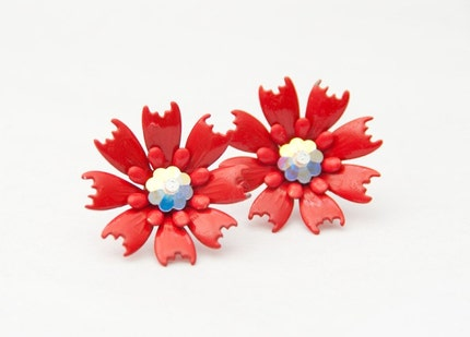 RICH RED vintage metal flower earrings