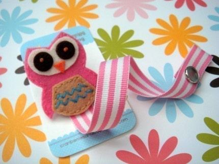 Owl-ivia II Pacifier Clip