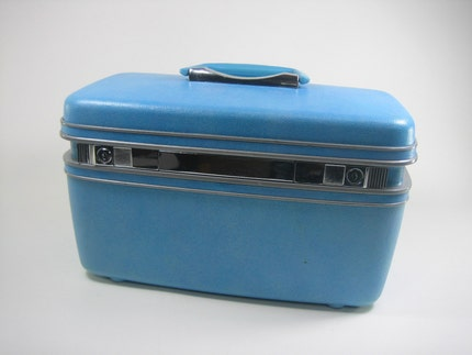 Blue Samsonite Traincase