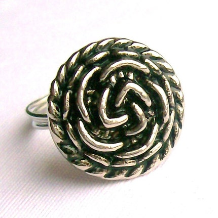 Antique silver effect flower button ring
