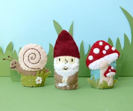 Garden Gnome Set - Wool Felt Finger Puppets (3) - IN STOCK