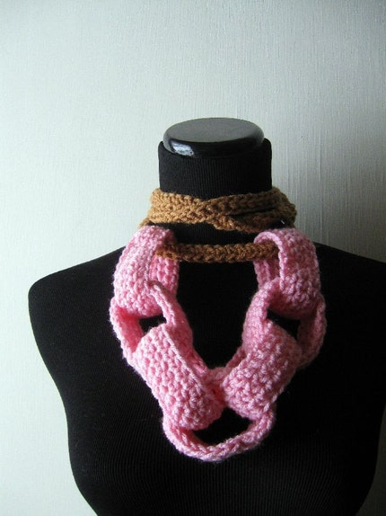 the shorty chain in pink and brown.