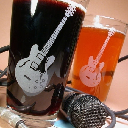 2 Hollow-Body Guitar Pint Glasses