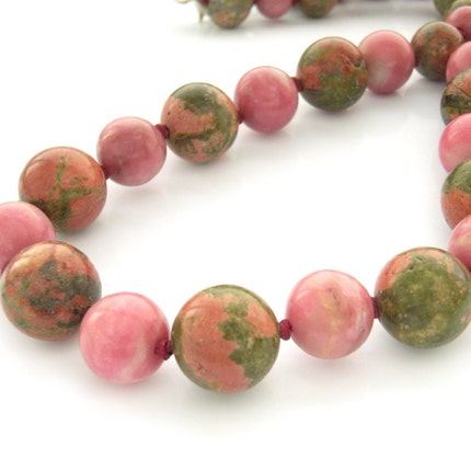 Handmade  unakite and rhodonite pink and grass green beaded necklace
