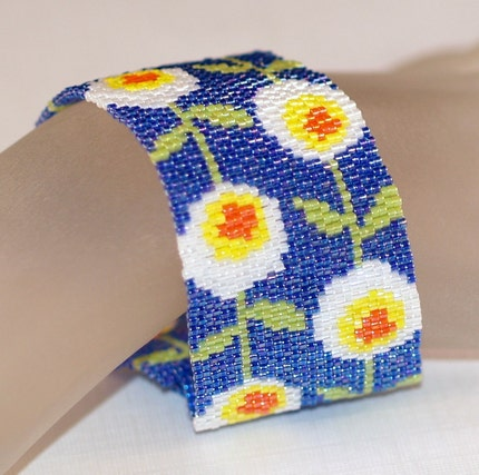 MARCH SALE -- Daisy Chain - Peyote Bracelet / Cuff to Welcome Spring (3183)