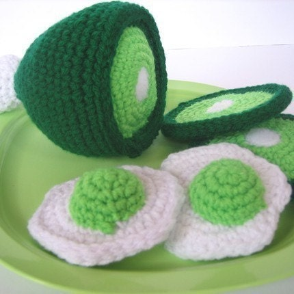 Play Food Crochet Pattern -- Green Eggs and Ham