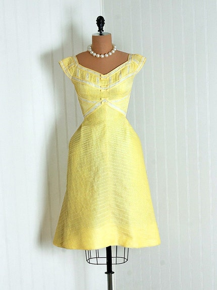 1950's Vintage Lemon-Yellow Pintuck Polka-Dot Print Cotton and White-Lace Couture Cap-Sleeve Sweetheart Bow-Tie Plunge Nipped-Waist Rockabilly Ballerina-Cupcake Princess Back-Pleated Garden Wedding Formal Cocktail Party Sun Dress