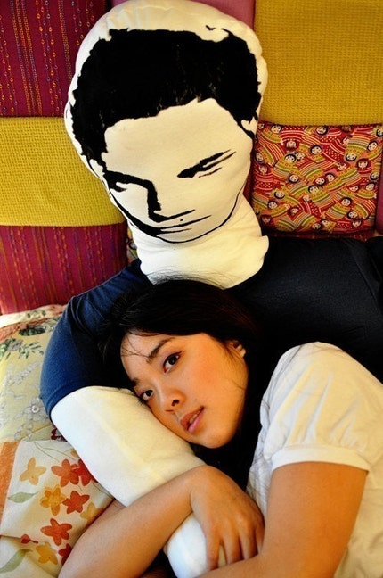 TWILIGHT EDWARD Robert MANLLOW half man half pillow