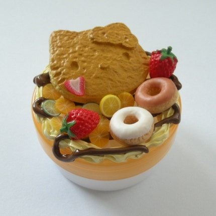 Hello Kitty Pancake Pill Box