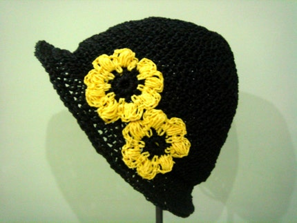 Crocheted natural raffia Black Beret with Sun by cookieletta from etsy.com
