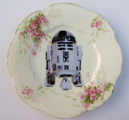 R2-D2 Portrait Plate - Altered Antique Plate