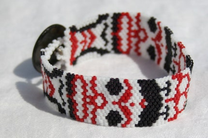Totemic Haida-Inspired Peyote Stitch Bracelet