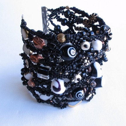 BlackWhite Freeform Peyote Stitch Bracelet