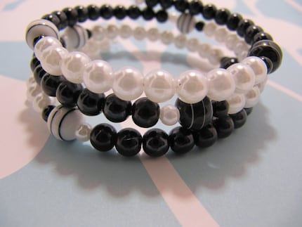 Black and White Pearl Memory Wire Bracelet