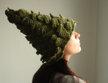 MADE TO ORDER Pomme de pin---------------Crocheted hat/Bonnet crochete/ Gorro tejido.