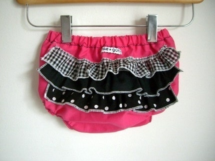 Rocker Hot Pink -ruffle diaper covers