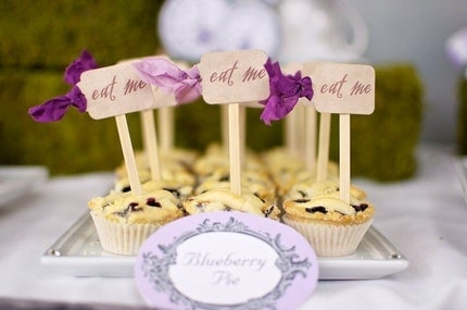 ALICE IN WONDERLAND EAT ME or DRINK MEcupcake by pinkcherrymama : party