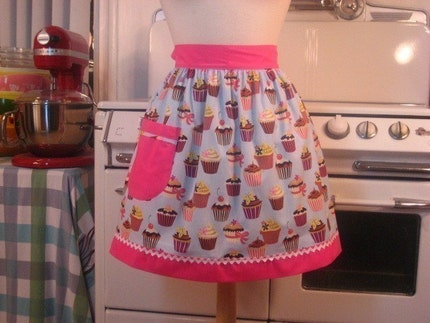 Vintage Inspired Blue Cupcake with Solid PINK Half Apron